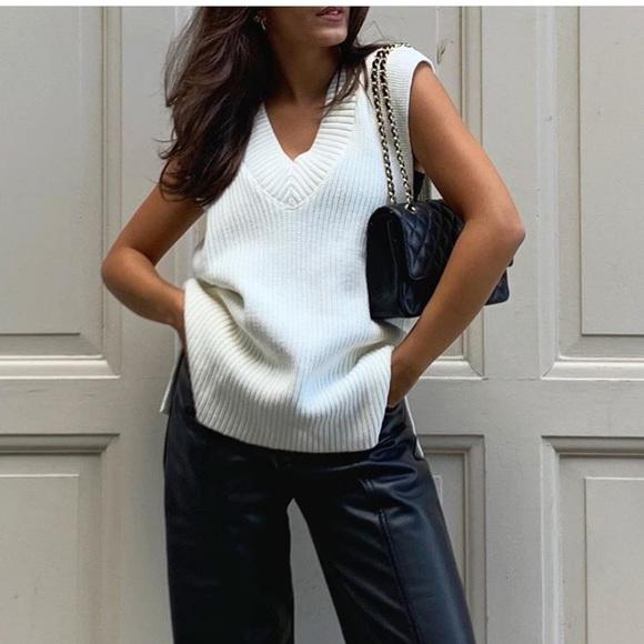 H&M • White Rib knit Sweater Vest NWT